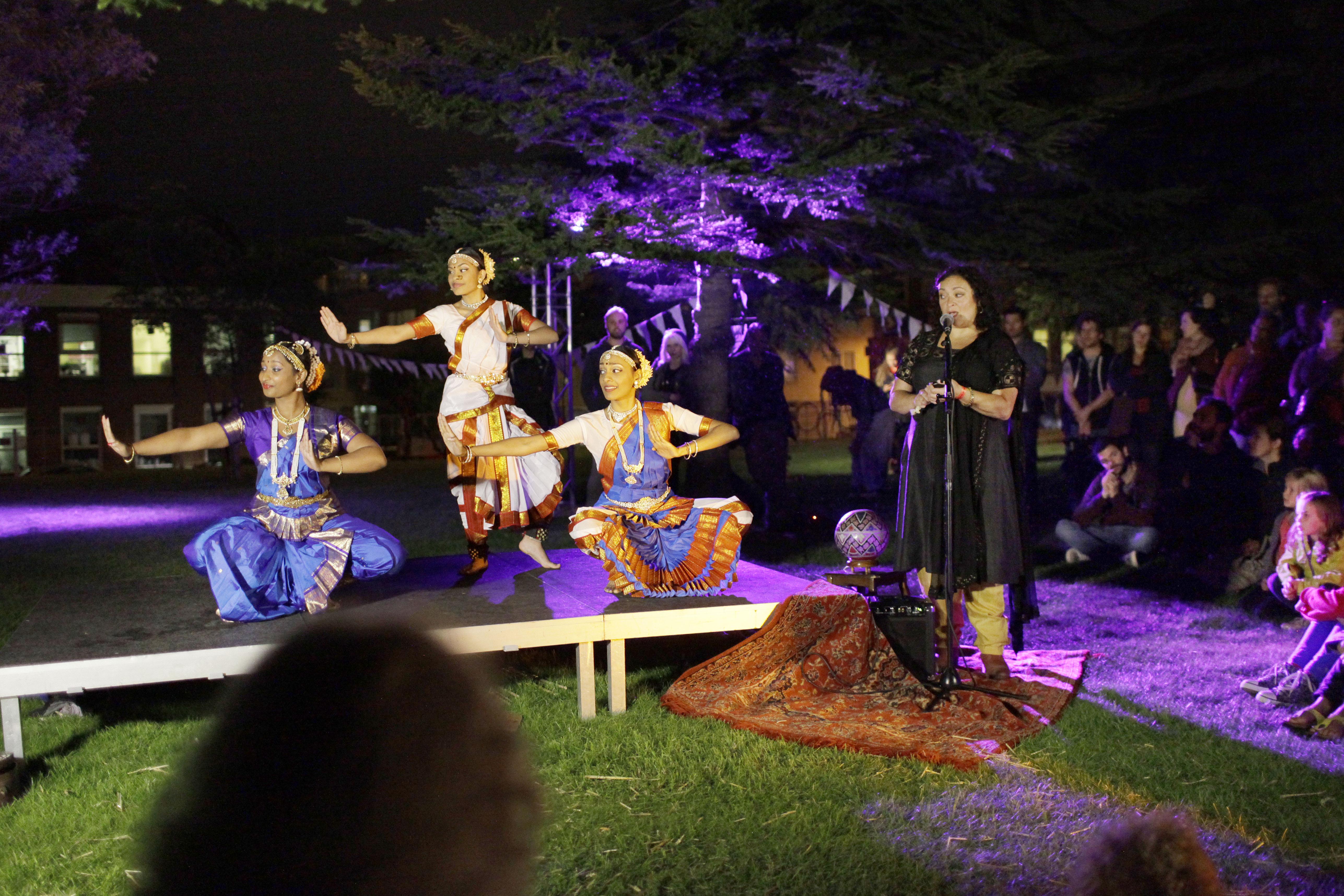 Het Circus Den Haag, Park de Veramdeming werd omgetoverd tot heus circus terrein met diverse optredens, veel kinderen en fantastische sfeer